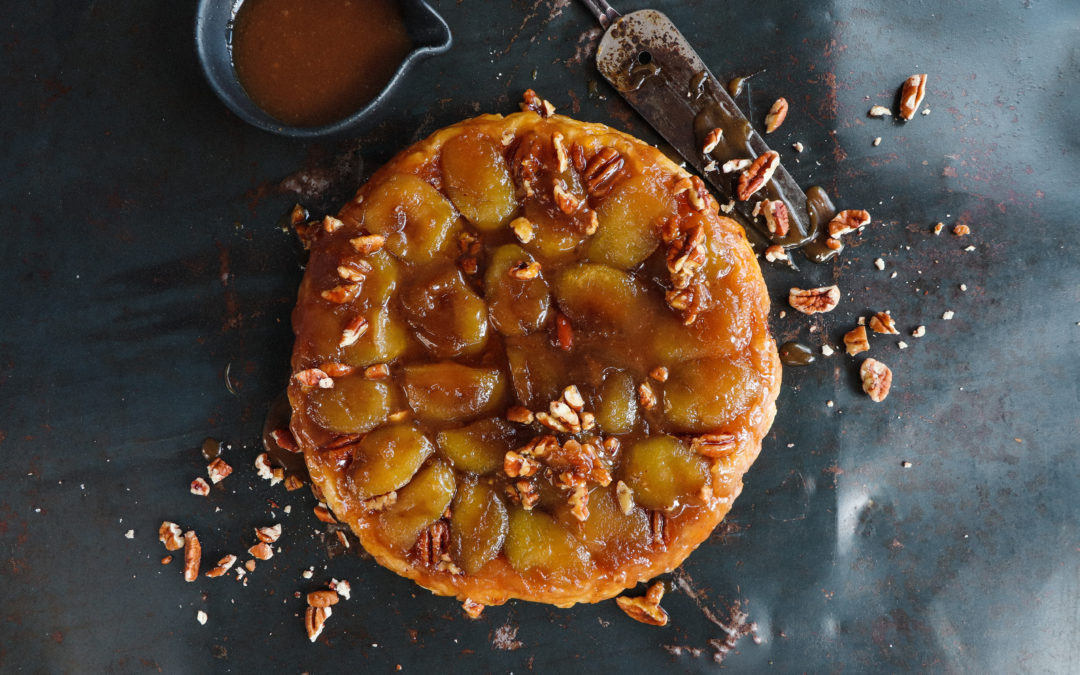 TART TATIN WITH APPLE AND PECANS – WITH A BUTTERSCOTCH SAUCE
