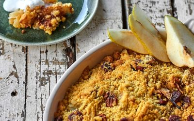 APPLE AND PEAR PECAN NUT CRUMBLE
