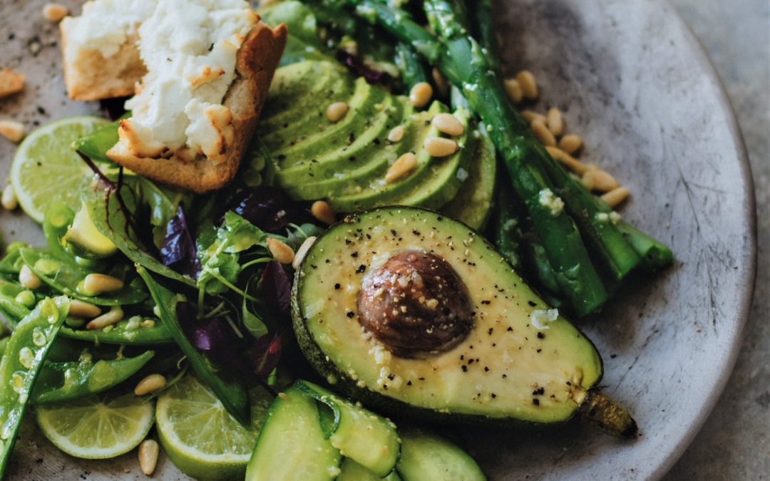 AVOCADO AND ASPARAGUS SALAD WITH HONEY VINAIGRETTE AND GOATS CHEESE BRUSCHETTA