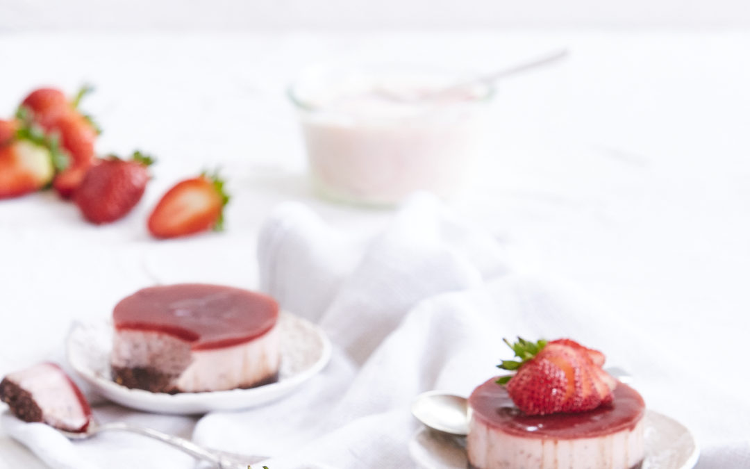 STRAWBERRY AND CHIA BREAKFAST CHEESECAKES