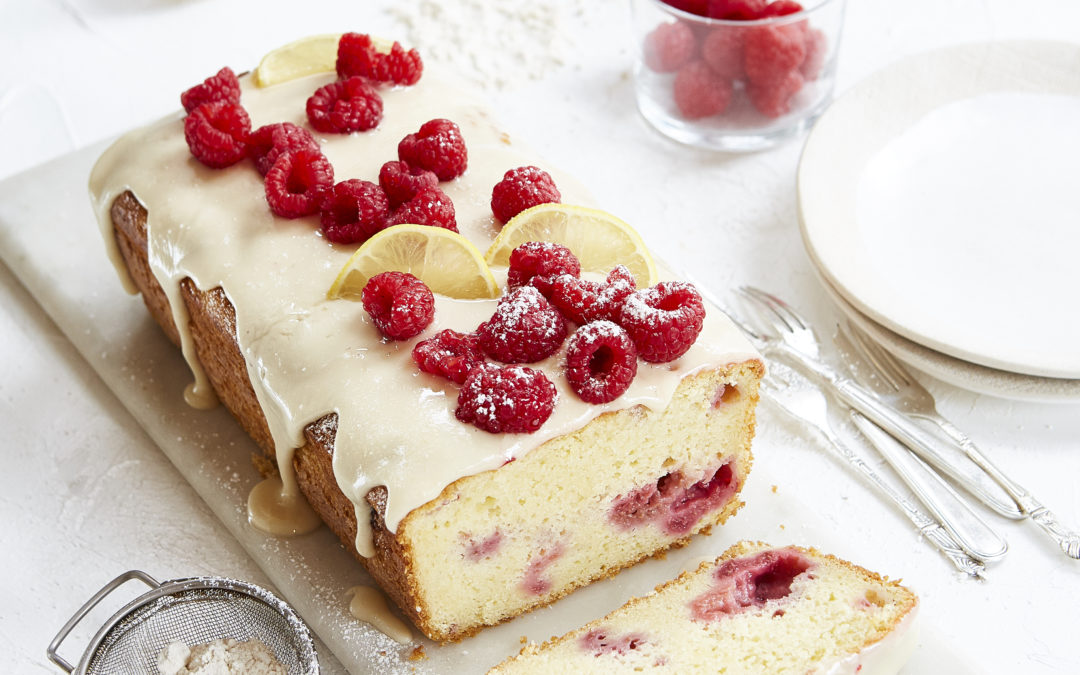 RASPBERRY AND LEMON LOAF WITH LEMON DRIZZLE